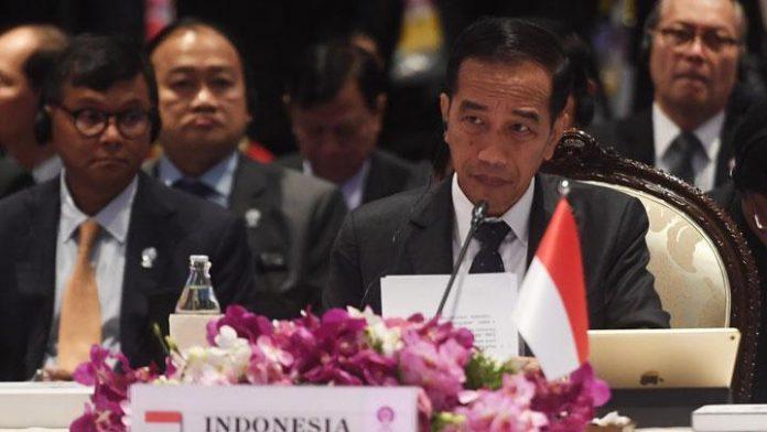 Presiden Joko Widodo (kedua kanan) mengikuti sesi pleno KTT ke-35 ASEAN di Bangkok, Thailand, Sabtu, 2 November 2019. Ini merupakan kunjungan pertama Jokowi ke luar negeri usai dilantik sebagai presiden 2019-2024. ANTARA